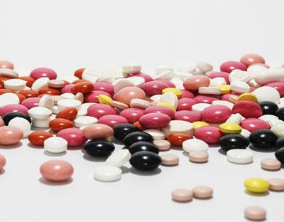 Léky, vitamíny a potravinové doplňky – kdy a jak je užívat?